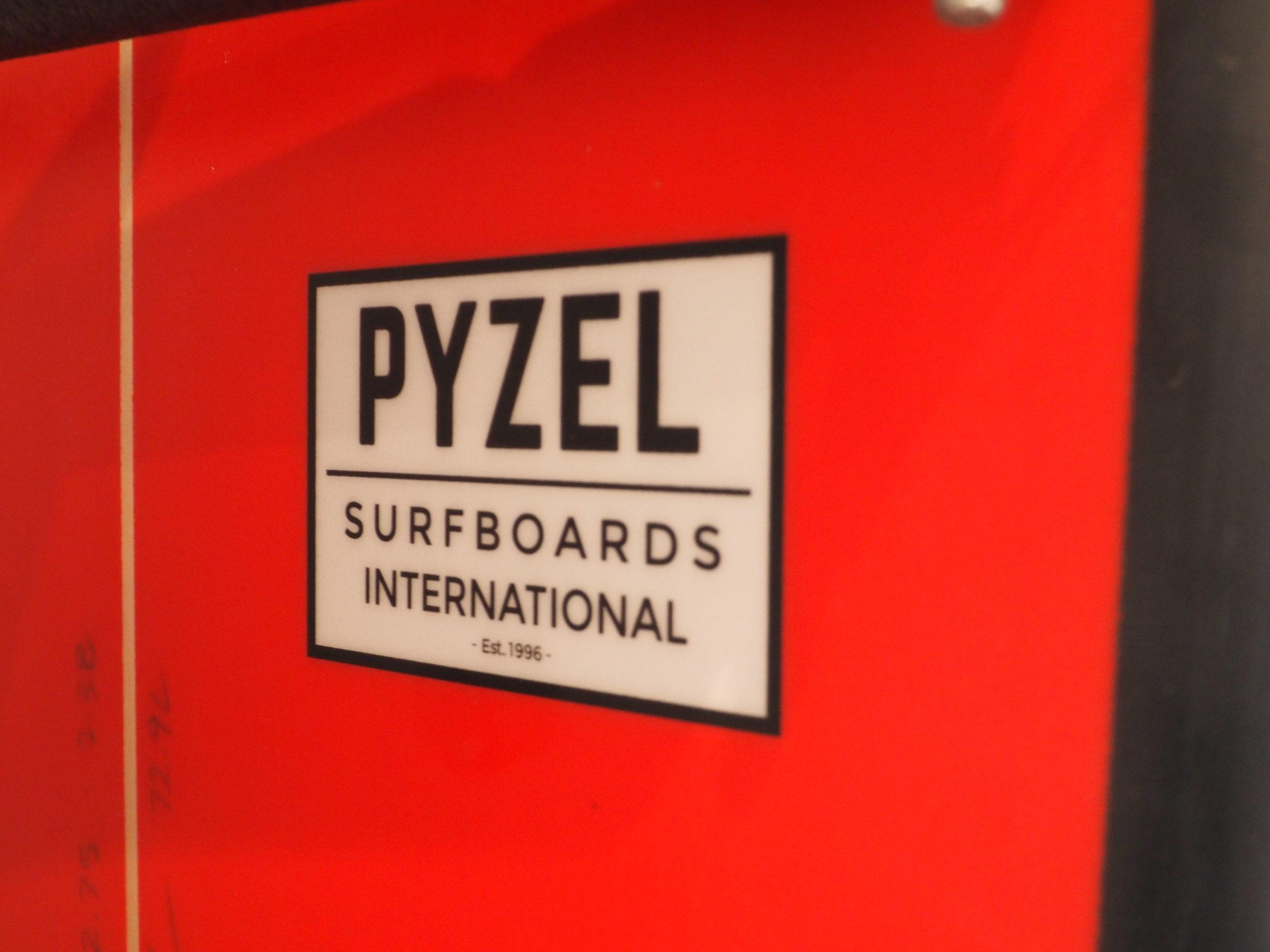 PYZEL SURFBOARDS JAPAN 代表<br>冨田尚治氏インタビュー<br><i><font color=